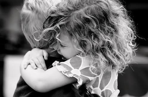Volim te kao prijatelja, psst slika govori više od hiljadu reči - Page 11 Friends-hugging1